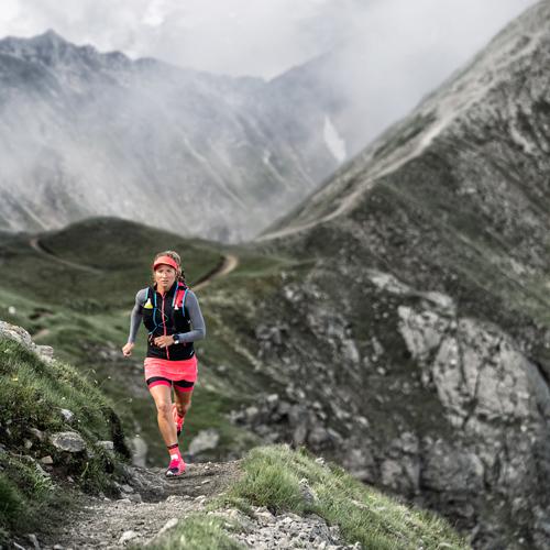 femme_trail_montagne_récupérer_de_la_course